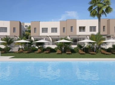 Green_Golf_townhouses_property-for-sale-new-development-Costa-del-Sol-Estepona-Marbella-Callow-Estates-pool