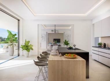 la-villa-callow-estates-luxury-villa-marbella-kitchen